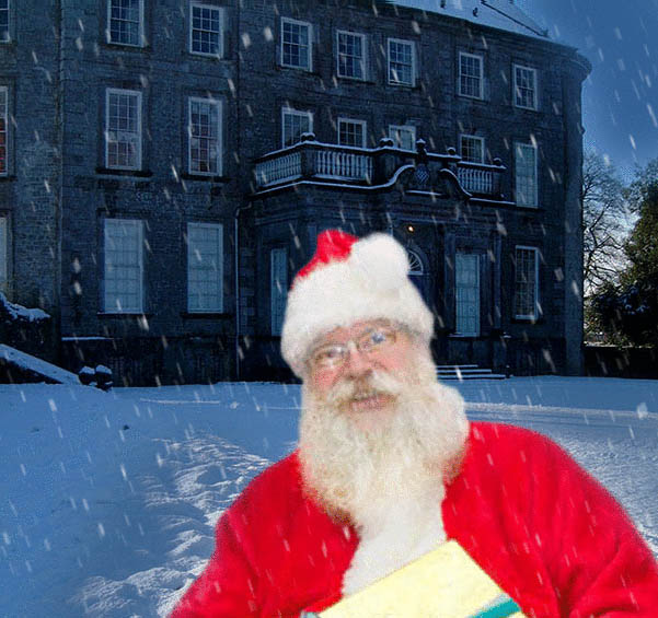 Santa outside Doneraile Court in the snow